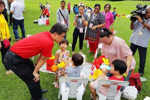 president-tony-tan-we-care-istana-party 2016-21